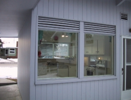 Kitchen_windows_with_louvred_venting