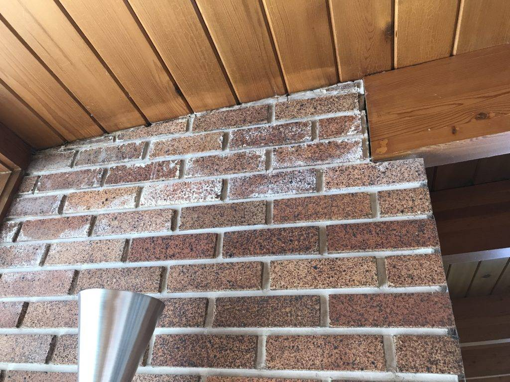 Efflorescence in the chimney
