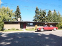 Calgary Trend House. Exterior with owner Mike Kurtz's early 1970s Porsche 914 (Mike Kurtz)
